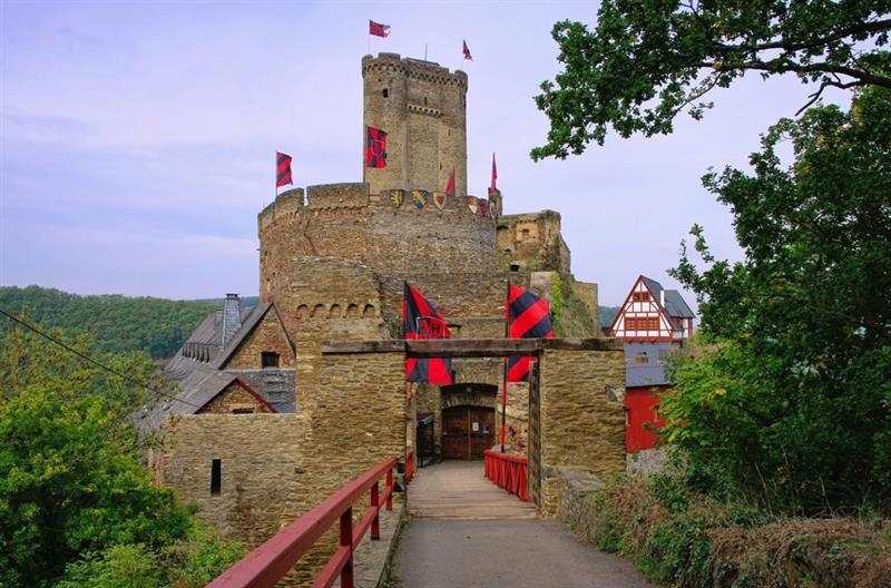 Burg Teamevent Bild 1 Fotolia