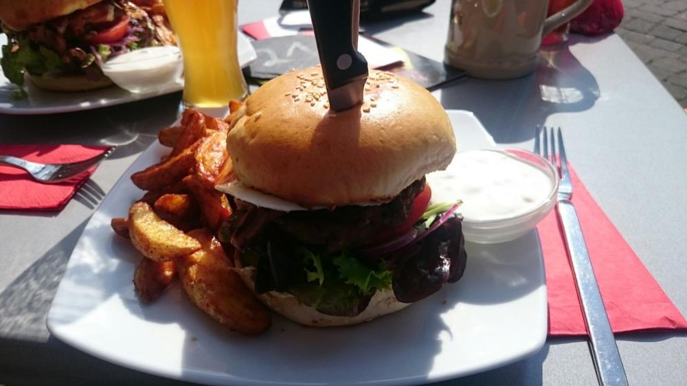Kanu & Burger beim Junggesellenabschied