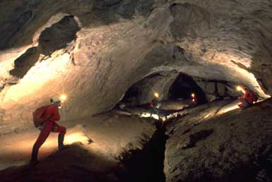 Caving – Höhlenexpeditionen
